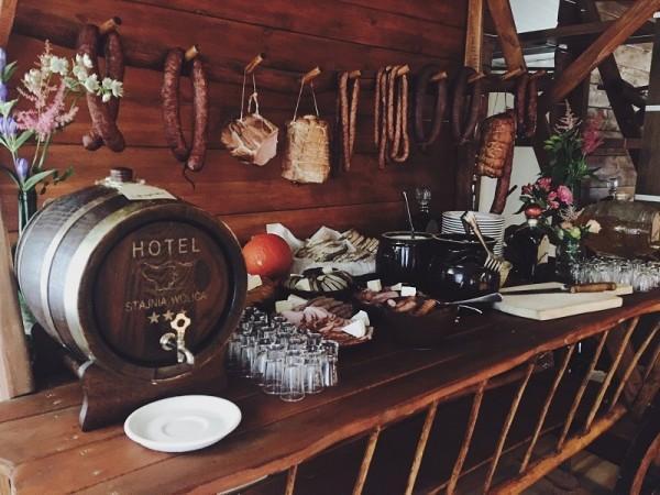 hotel wolica stół wiejski